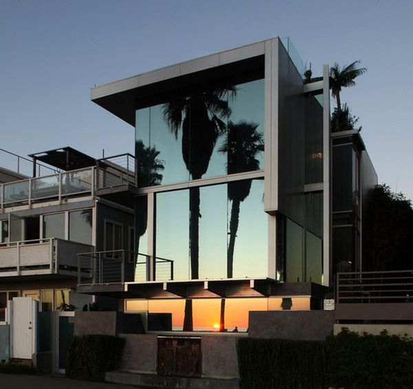 Nice Contemporary Mirrored Facade.