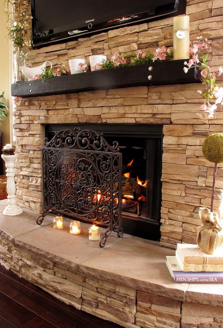 34 beautiful stone fireplaces that rock rh homedit com pictures of stone fireplaces pictures of stone fireplaces with mantels
