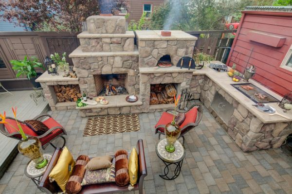 Merveilleux Outdoor Kitchen Designs Featuring Pizza Ovens, Fireplaces ...