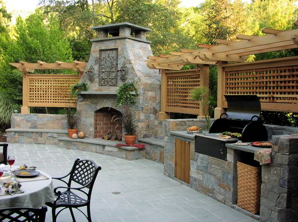 Outdoor Kitchen Designs Featuring Pizza Ovens, Fireplaces And ...