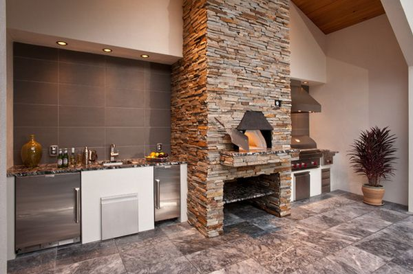 Outdoor Kitchen Designs Featuring Pizza Ovens, Fireplaces ...