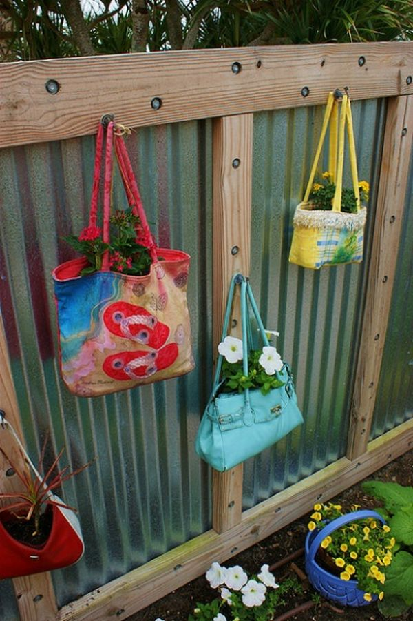 & 25 Ideas for Decorating your Garden Fence