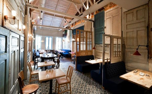 faf6f38d15a Coffee Shops Around The World And Their Eye-Catching Interior Design ...