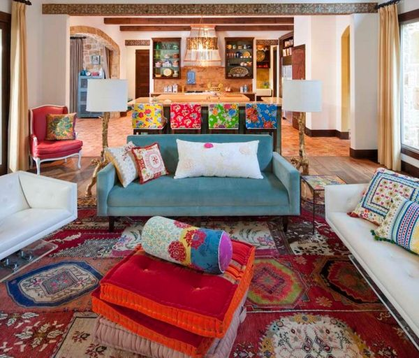 Three must read tips for achieving a bohemian d cor in for Rich colors for living room