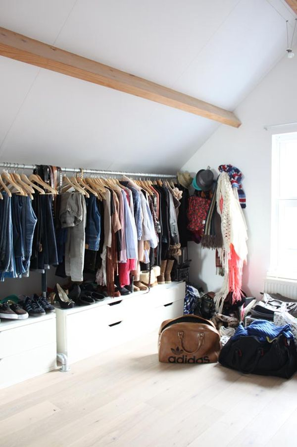 Open space closets for those who are organized and want for Open closets small spaces