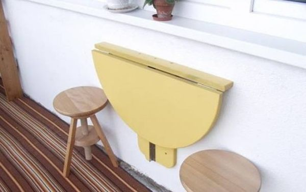 DIY Foldable Table.