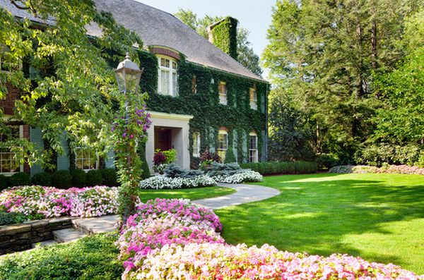 Jaw dropping flower beds arrangements and landscape designs for Colorful front yard landscaping