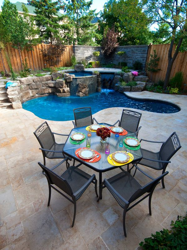 Spruce up your small backyard with a swimming pool 19 for Small backyard designs with pool