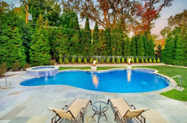 Spruce up your small backyard with a swimming pool 19 for Small garden pool designs