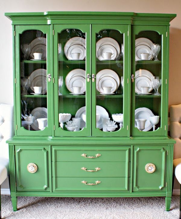 6 Ideas On How To Display Your Home Accessories: What's Inside The China Cabinet: Organized & Styled