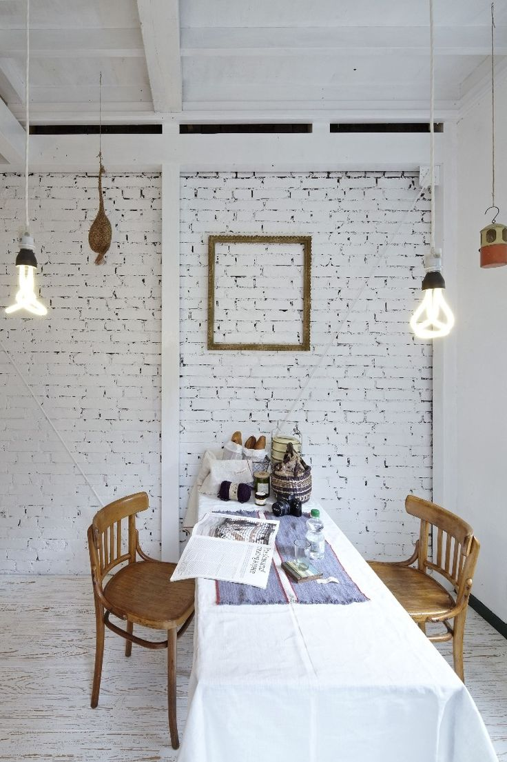 Dining room accent walls. This combination of bricks and white paint ...