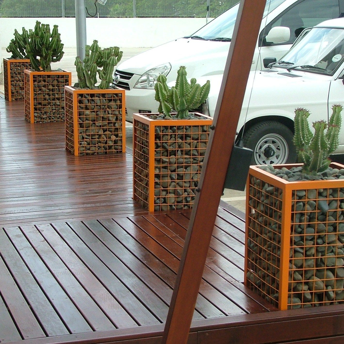 Gabion walls what they are and how to use them in your landscape planters solutioingenieria Gallery