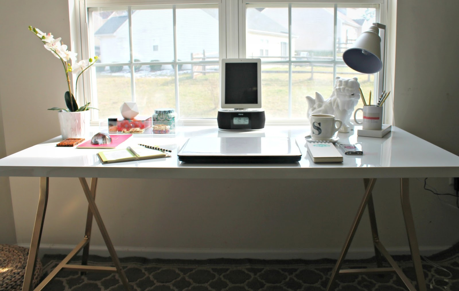 From generic office to stylish and productive home office Design my room online