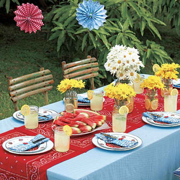 Attractive Throw Down A Bandana Table Runner. Nice Ideas