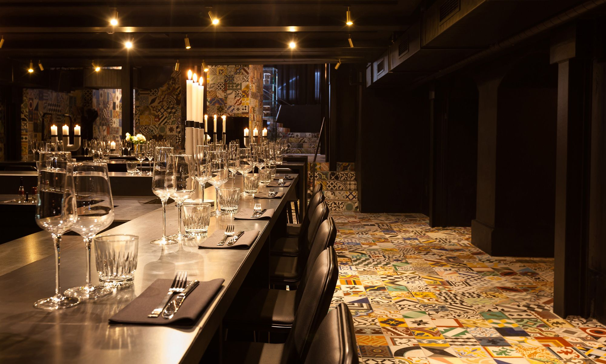 How a dark basement became a flamboyant restaurant with a colorful interior