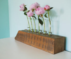 Beautiful DIY Test Tube Flower Vase With Reclaimed Wood Base