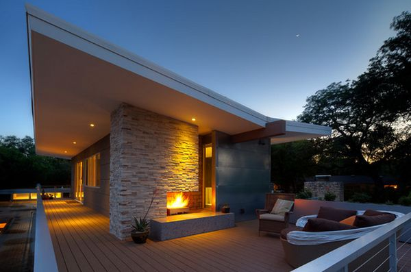 Eye-Catching, Modern Outdoor Fireplaces Turn The Patio Into A ...