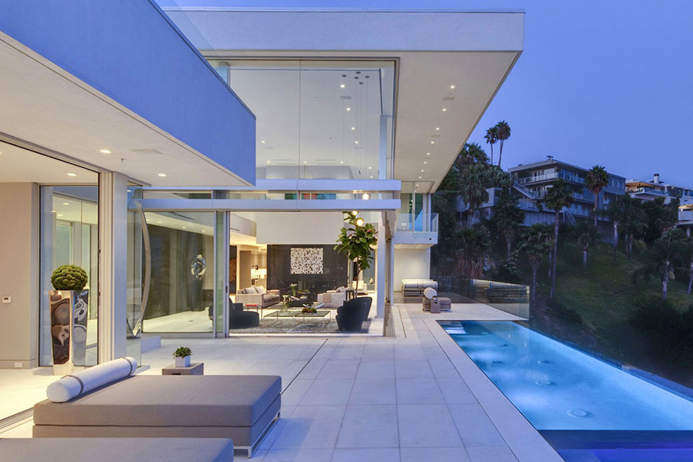 Hollywood-Mansion-Oriole-Way-McClean-Bathroom-patio-by-night1 Image Result For Bedroom Suites Los Angeles