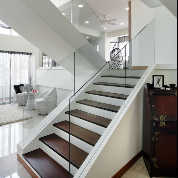 Great 20 Glass Staircase Wall Designs With A Graceful Impact On The Overall Decor