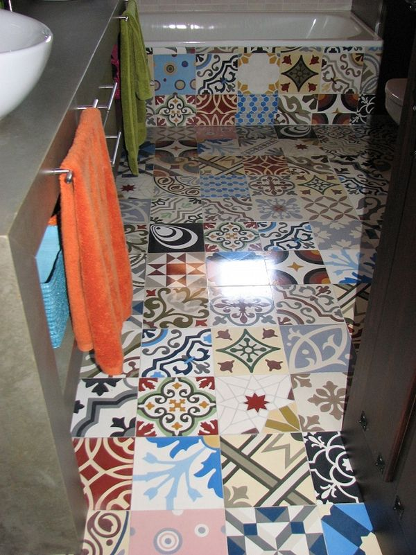 Patchwork tiles mix and match your favorite colors for a for Unusual bathroom flooring ideas