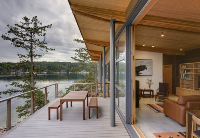 Living Off The Grid – Is A Cabin Right For You?