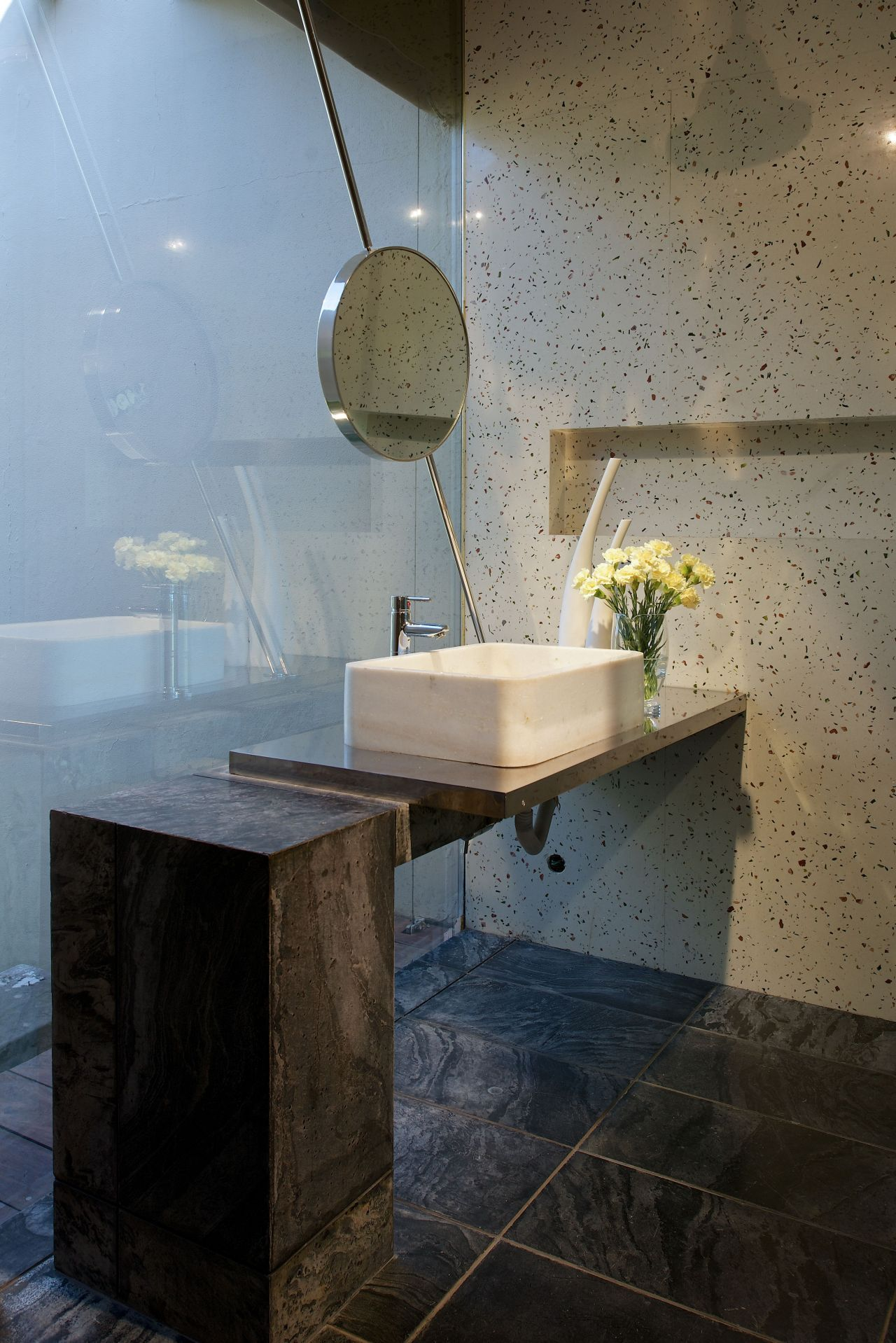 Stupendous Concrete Bathroom Sinks That Make A Strong Statement Without Download Free Architecture Designs Xerocsunscenecom