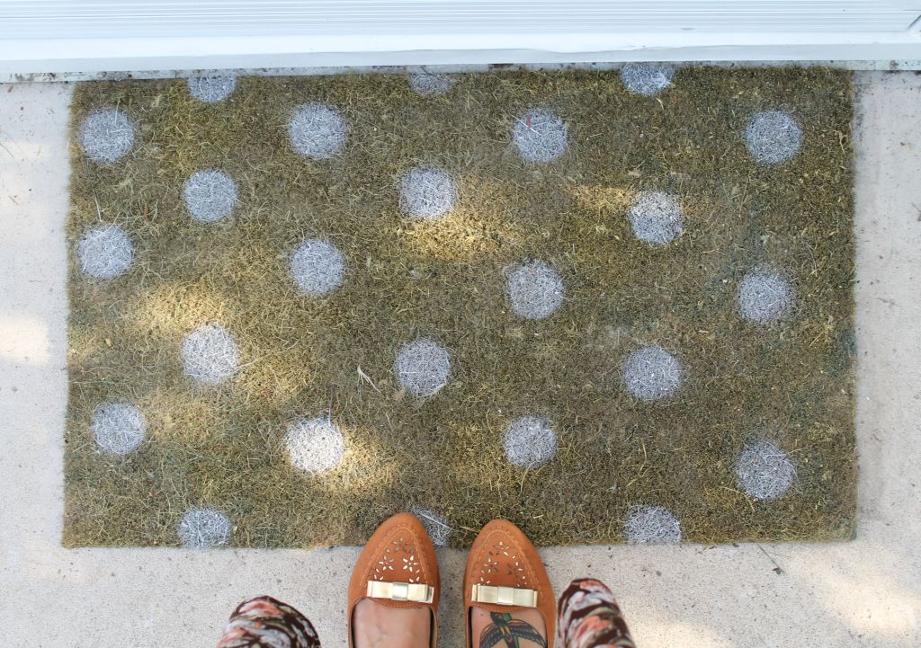 & DIY Painted Doormat