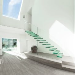 Superior 20 Glass Staircase Wall Designs With A Graceful Impact On The Overall Decor