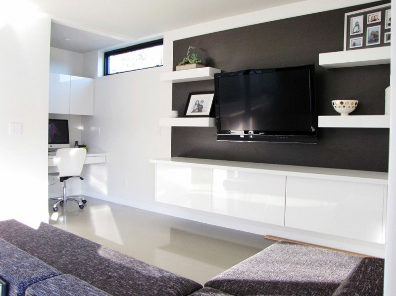 20 Ways To Incorporate Wall-mounted TVs and Shelves Into Your Decor