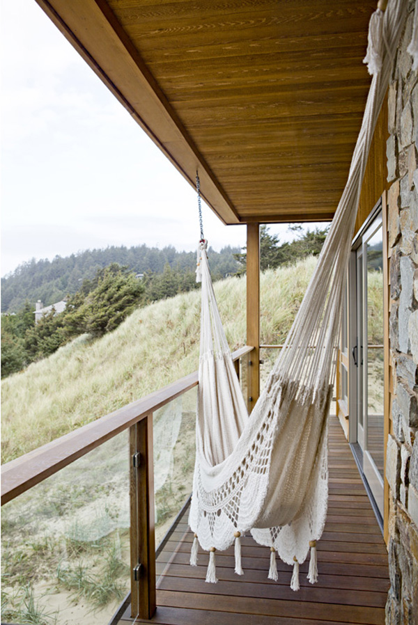 home decorating trends  u2013 homedit cool ways to hang a hammock for a lazy summer nap  rh   homedit