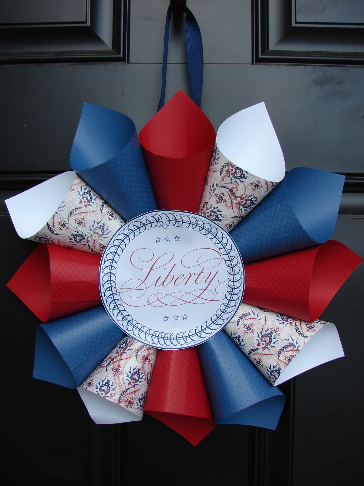 Festive july 4th diy wreaths easy simple inspired paper cones jeuxipadfo Images