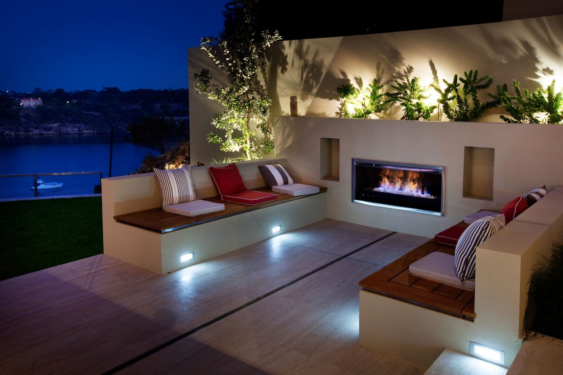 Eye Catching, Modern Outdoor Fireplaces Turn The Patio Into A Dreamy Retreat