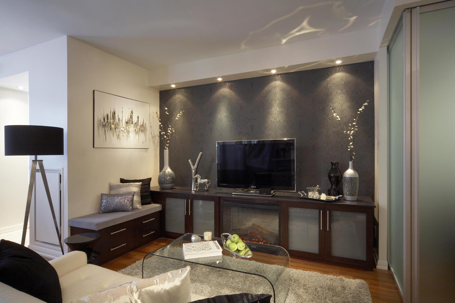 Maximizing your home condominium for Living room design for small condo