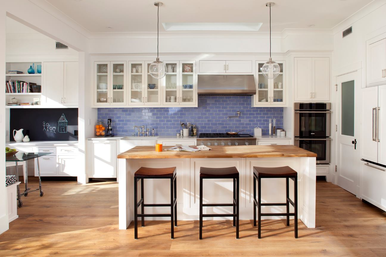 Kitchen Tiles Blue spruce up your home with color – blue tiles for the kitchen and