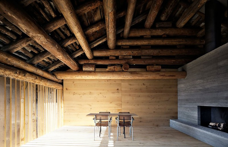 Remodeled Barn Merges Traditional And Contemporary Into A