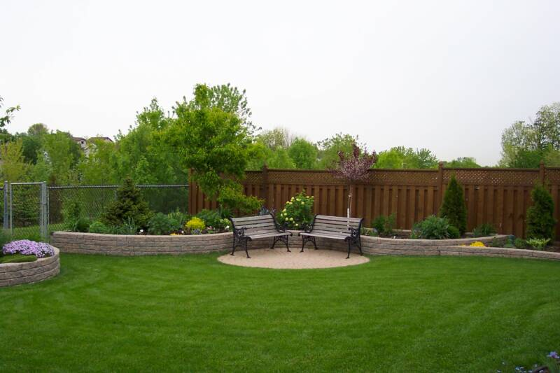20 aesthetic and family friendly backyard ideas 20 plant grassand lots of it solutioingenieria