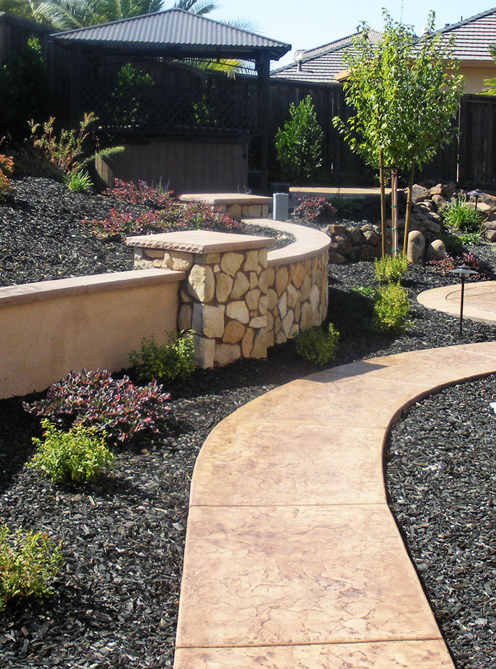 20 rock garden ideas that will put your backyard on the map for Stone landscaping ideas