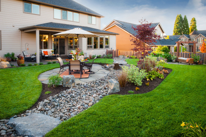 20 rock garden ideas that will put your backyard on the map for Big back garden designs