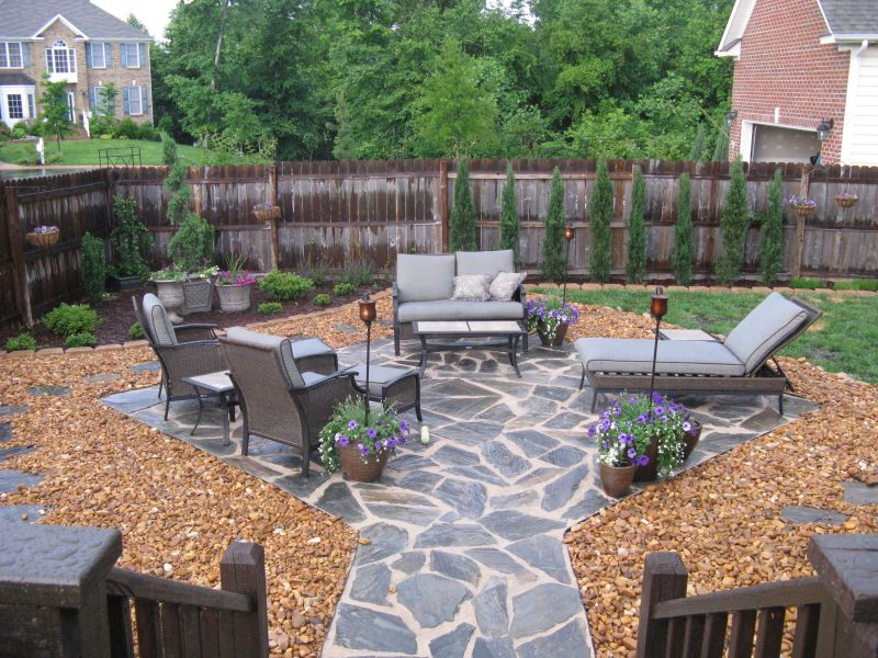20 rock garden ideas that will put your backyard on the map for Antejardines rusticos