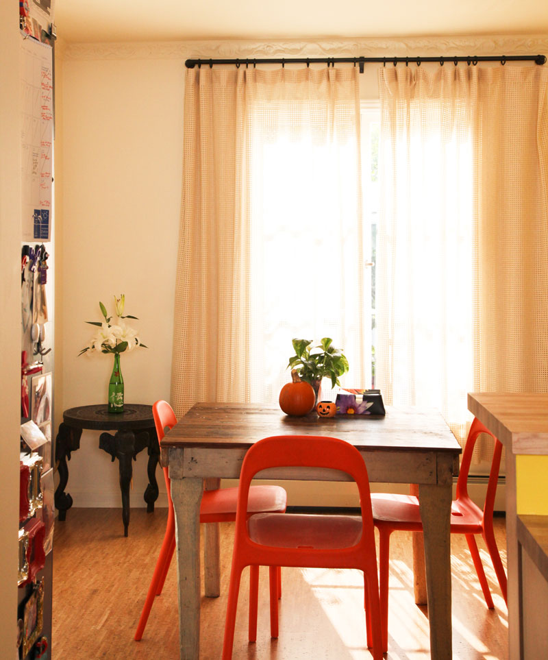Be Confident With Color – How To Integrate Red Chairs In The Dining Room