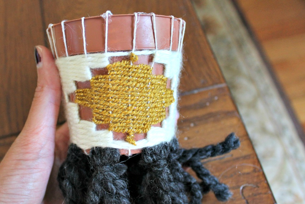 hanging planter weaving design