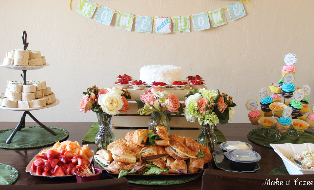 Throwing a great housewarming party for Food bar ideas for a party