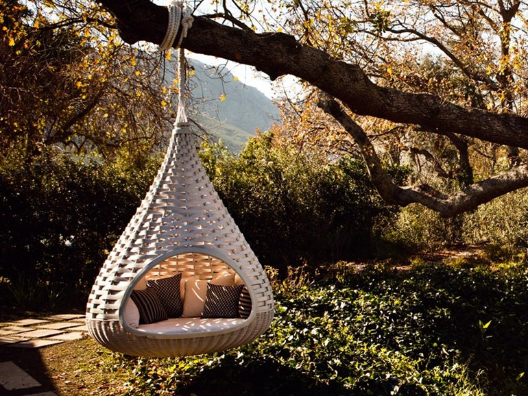 20 Modern Outdoor Accessories For A Perfect Summer Experience