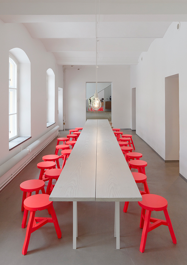 Be Confident With Color How To Integrate Red Chairs In The Dining Room