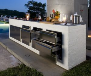 Step Out To Enjoy The Beauty – Modern Outdoor Kitchens