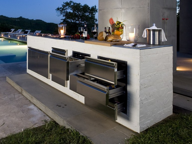 step out to enjoy the beauty modern outdoor kitchens. Black Bedroom Furniture Sets. Home Design Ideas