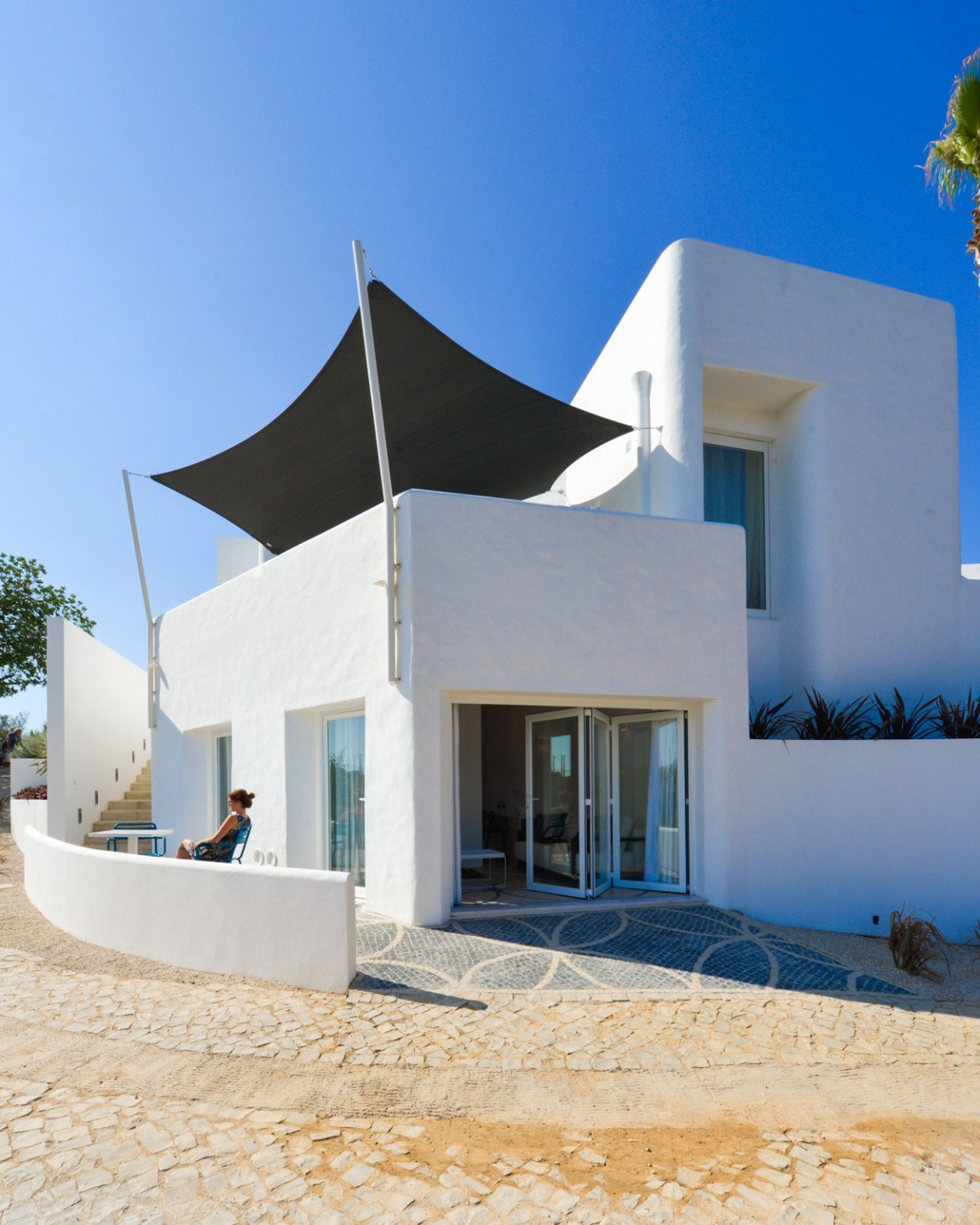 Organic Architecture With Contemporary Features In Carvoeiro, Portugal
