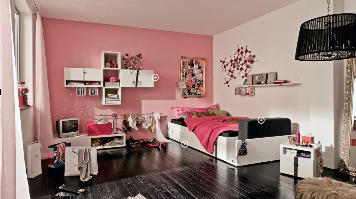 tips for decorating a teenager's bedroom -  capitalize on black accents