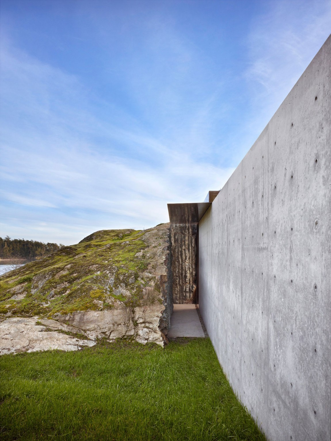 Carved Into Stone: The Pierre House By Olson Kundig Architects