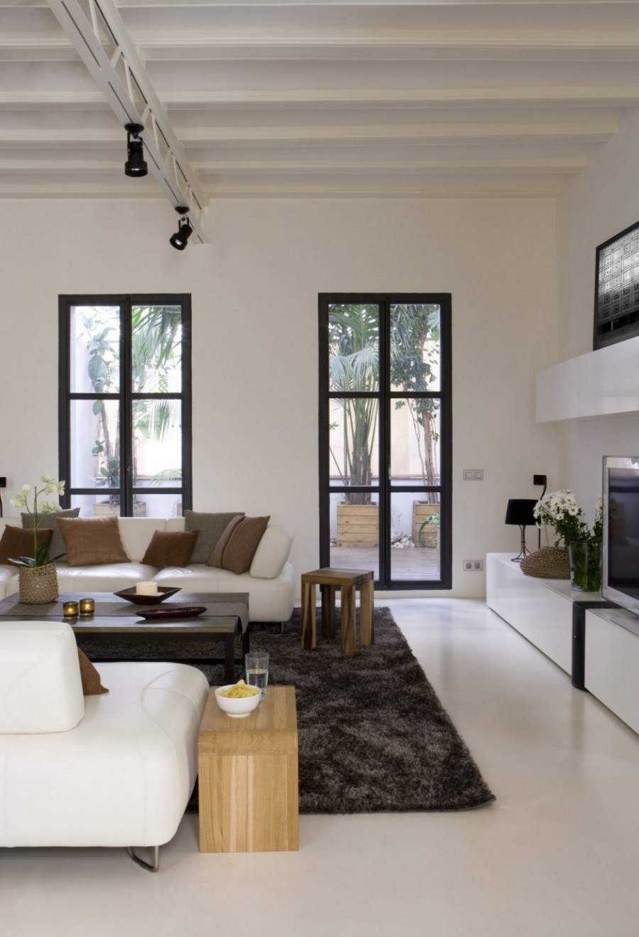 How to make a strong and firm statement with black framed for Decoracion tipo loft
